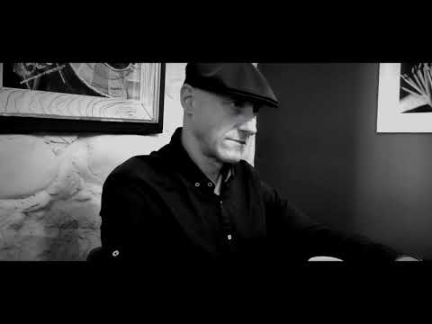 Ilegales - Reptil Interior (Lyric Video)
